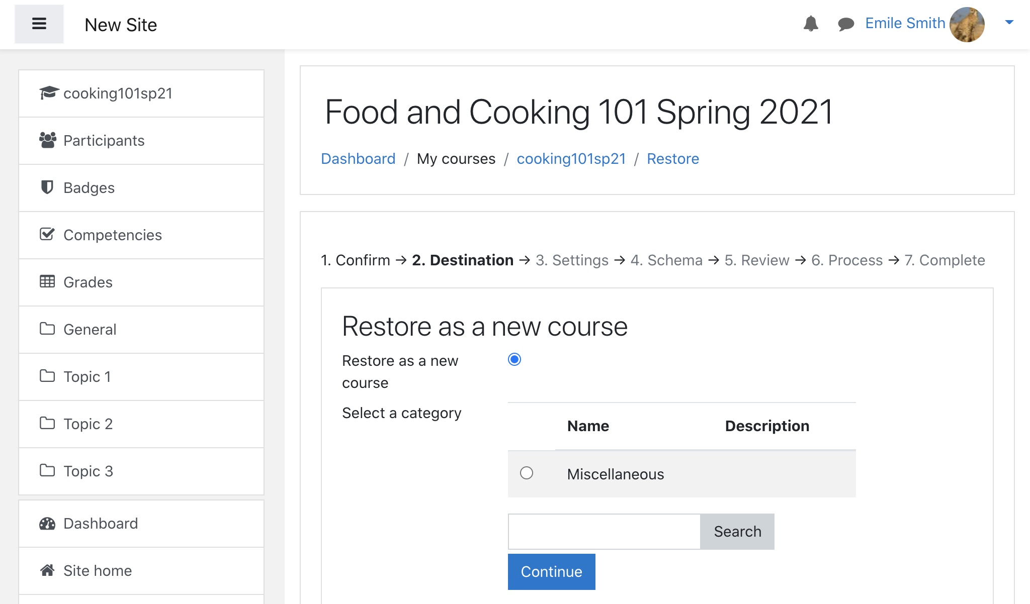 Moodle course restoration page: user new course option
